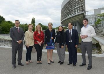 Wirtschafts-Landesrätin Dr. Petra Bohuslav (mitte) empfing die lateinamerikanische UNIDO-Delegation, der auch die uruguayische Industrieministerin Ana Carolina Cosse Garridio (3.von links) angehörte, im St. Pöltner Regierungsviertel.