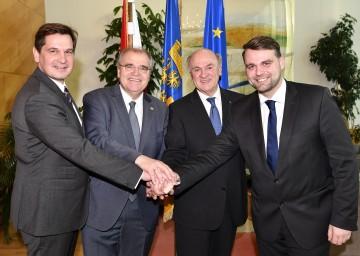 Im Bild von links nach rechts: Bürgermeister Mag. Werner Krammer, Justizminister Dr. Wolfgang Brandstetter, Landeshauptmann Dr. Erwin Pröll und Bürgermeister Lukas Michlmayr.