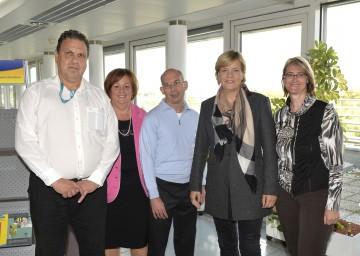 Landesrätin Mag. Barbara Schwarz im Gespräch mit Selbstvertretern von Behindertenorganisationen.