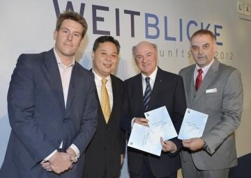 Matthias Knaur, Tony Lai, Landeshauptmann Dr. Erwin Pröll und LAK-Geschäftsführer Dr. Christian Milota (v.l.n.r.).