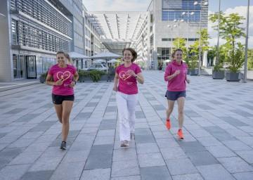 Frauen-Landesrätin Christiane Teschl-Hofmeister mit Teilnehmerinnen des NÖ Frauenlaufes
