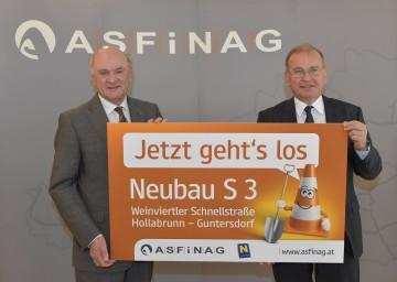 Landeshauptmann Dr. Erwin Pröll und ASFINAG-Vorstand DI Alois Schedl hoben die Bedeutung des Ausbaus der S 3 Weinvierter Schnellstraße hervor. (v.l.n.r.)