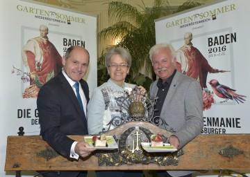 Im Bild von links nach rechts: Landeshauptmann-Stellvertreter Mag. Wolfgang Sobotka, Landesrätin Dr. Petra Bohuslav und Bürgermeister Kurt Staska.