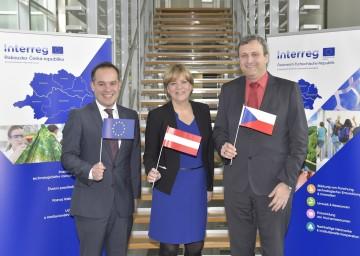 Im Bild von links nach rechts: Dr. Alexander Ferstl (Europäische Kommission), Landesrätin Mag. Barbara Schwarz, Tschechiens Vizeminister für Regionalentwicklung Mgr. Zdeněk Semorád